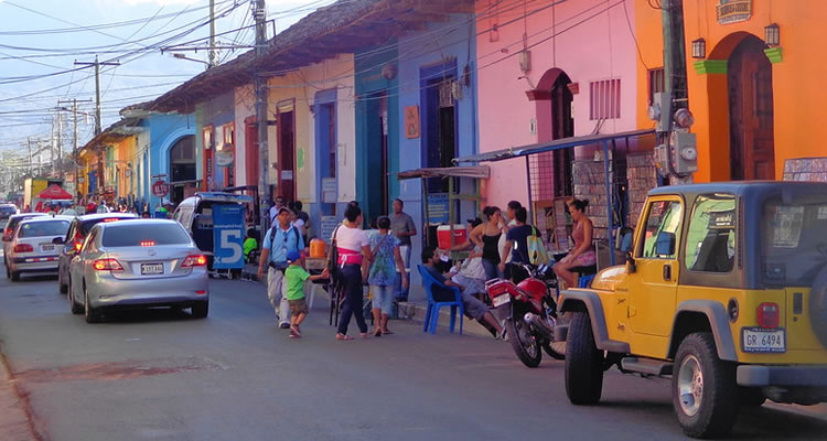 Small group tours trips Central American Adventurous