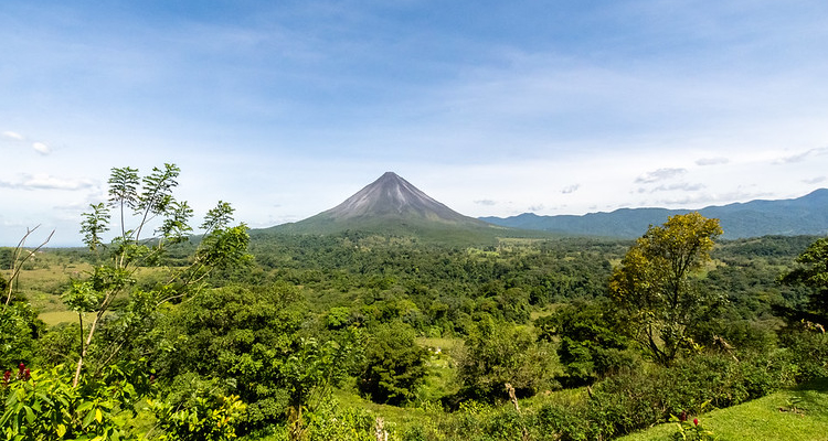 Costa Rica Tours Arenal volcano travellers experience